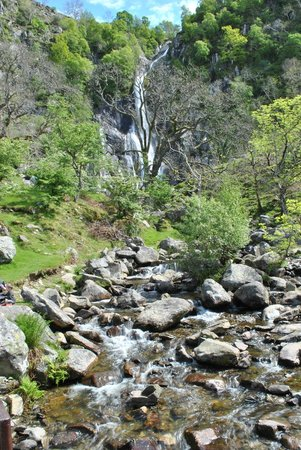 Aber Falls: View from the stream at the bottom of the falls