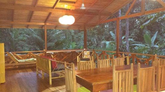 La Kukula Lodge: upstairs living area