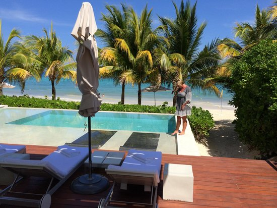 Blue Diamond Luxury Boutique Hotel: Private Infinity Pool