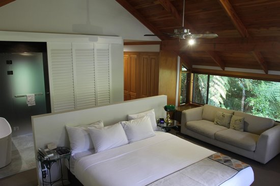 Grand Mercure Puka Park Resort: Rimu Chalet Bedroom