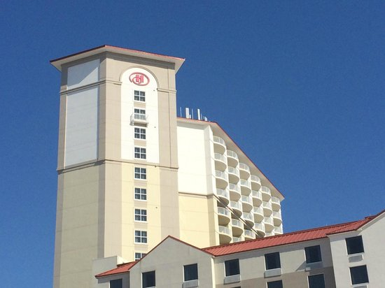 Hilton Pensacola Beach: View of the second tower