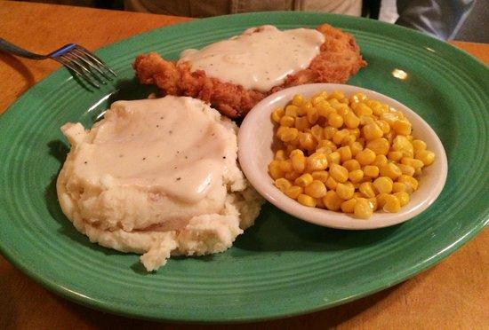 Shinola's Texas Cafe: Fried Pork Chop, Corn and Mashed Potatoes