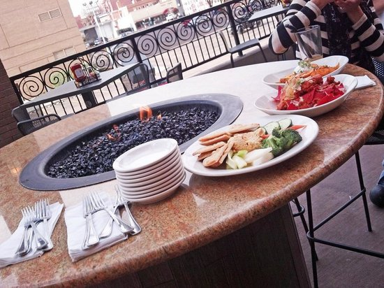 Phantom Canyon Brewing Co: Rooftop firepit tables at Phantom Canon