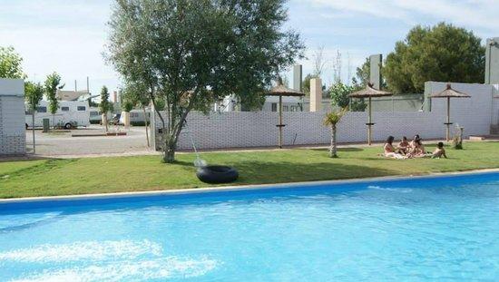 Betera, España: Piscina de Valencia Camper Park
