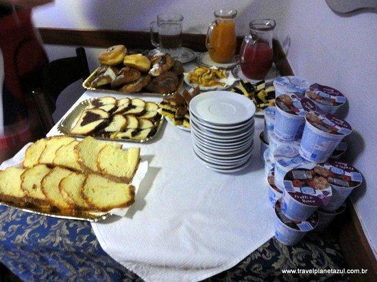 Hotel Marechiaro: Massas, sucos e leite