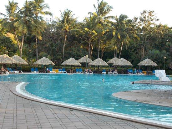 Barcelo Montelimar : piscine avec pallapas pour tous