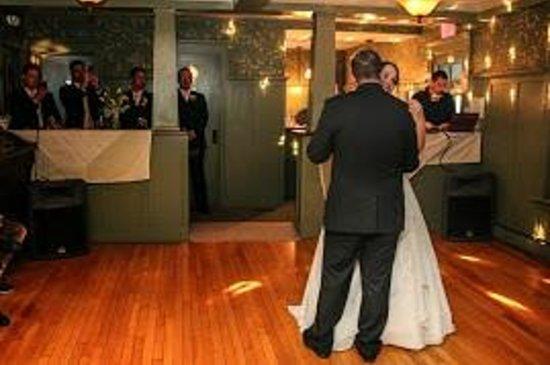 Cranmore Inn: Dining Room / Dance Floor