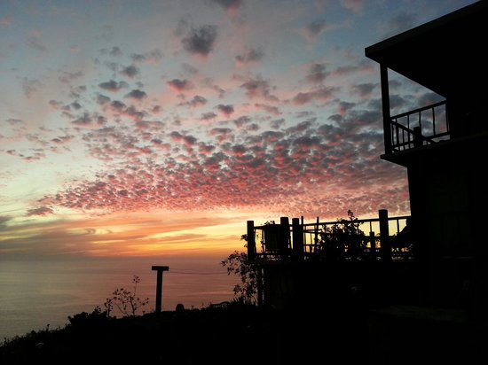 Casa Mediodia Bed and Breakfast : A beautiful sunset from the patio