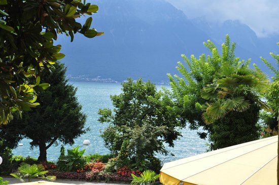 Hotel Royal Plaza Montreux : Vista da janela do quarto