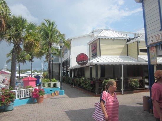 Grand Lucayan, Bahamas: market