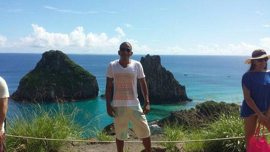 Baia do Sancho: A praia mais bonita do Brasil.