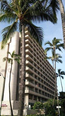 Waikiki Sand Villa Hotel: 外観