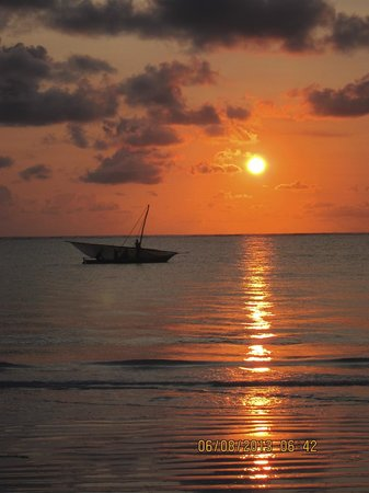 Sultan Sands Island Resort: Kiwengwa Beach 3