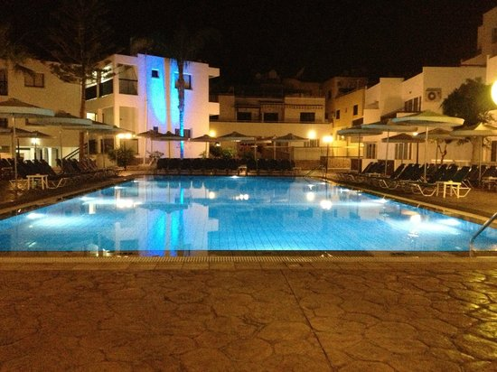 Christabelle Hotel Apartments: Pool area (spacious)!