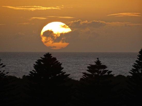 Links Lady Bay Resort: sunset
