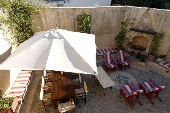 Zacosta Villa Hotel : Zacosta - Courtyard