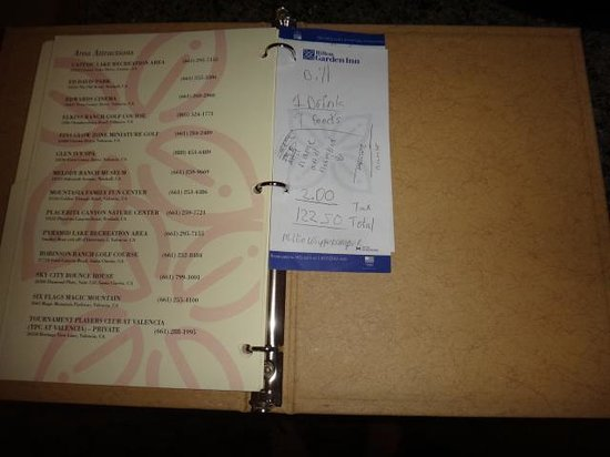 Hilton Garden Inn Valencia Six Flags: Note left in Hotel Guide by Previous Guest