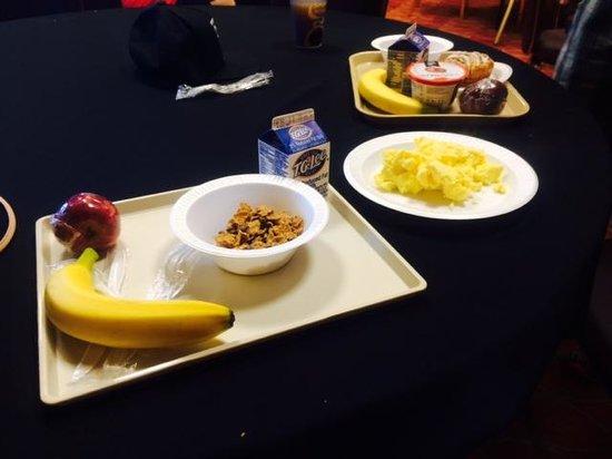 Holiday Inn Express Hotel & Suites Orlando - International Drive: Café da manhã