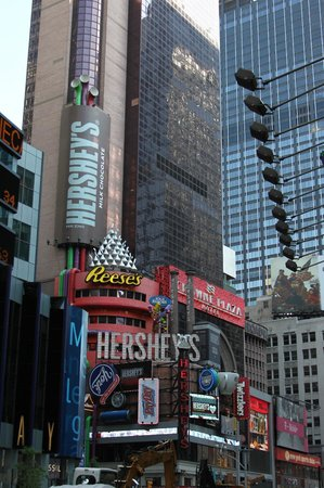 Hershey's Chocolate World Times Square: It's pretty hard to miss