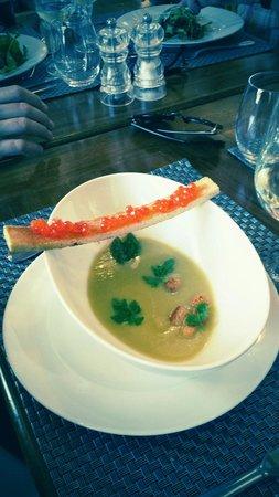 Le Bistrot Du Grand Cerf : Velouté d asperge et son croquant oeuf de saumon