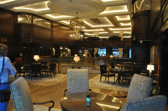 Powerscourt Hotel, Autograph Collection : Hotel Lobby