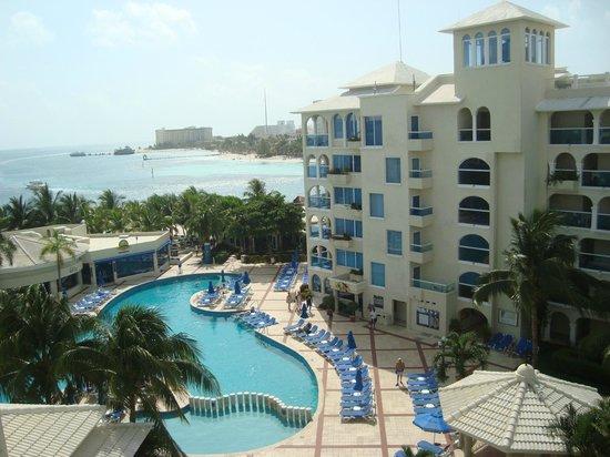 Occidental Costa Cancun: Vista da sacada do quarto