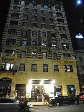 Radio City Apartments: the hotel entrance