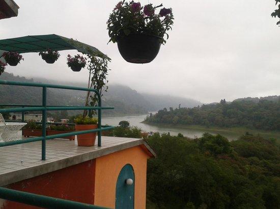 Huauchinango, Mexico: Vista de Hotel Forest Spa a PRESA DE NECAXA