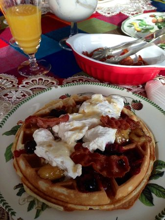 The Pine & Picket B&B : Breakfast of Champions
