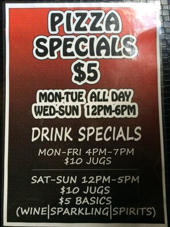 St. Kilda Beach House: Bar Specials