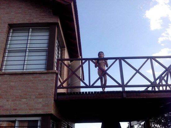Posada de las Sierras: Mi nena en el balcon