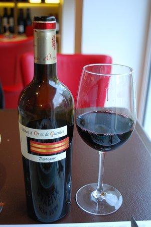le Volet qui Penche : Some wine to go!