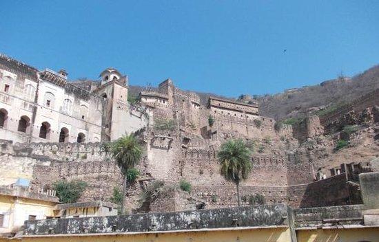Garh Palace: Taragahr Fort/Palace.