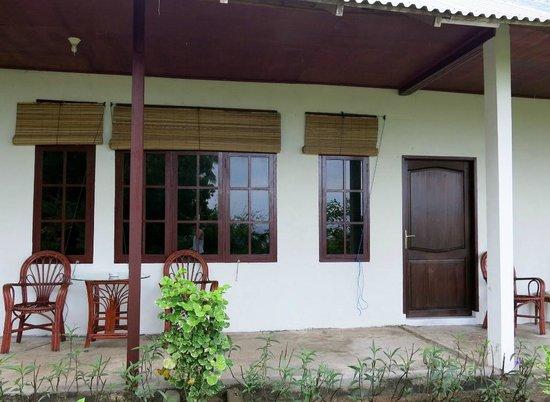 Thalassa PADI Dive Resort : Room from outside