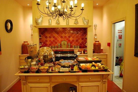 Villa Lara Hotel: Breakfast Buffett
