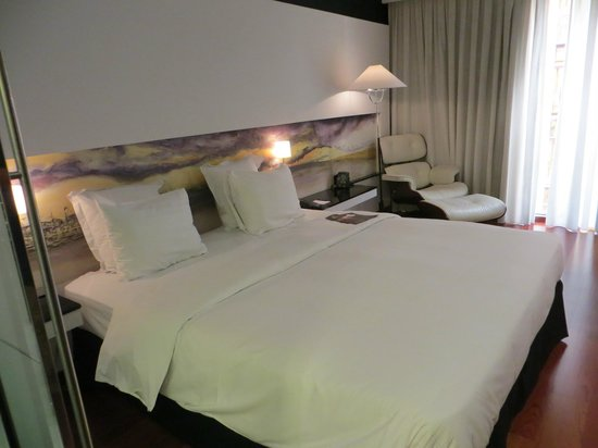 Hilton Madrid Airport: Comfy bed