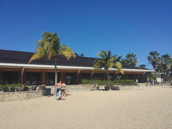 Carambola Beach Club: Vista do restaurante, vendo do mar