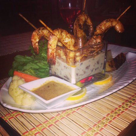 Sea Horse: Garlic prawns