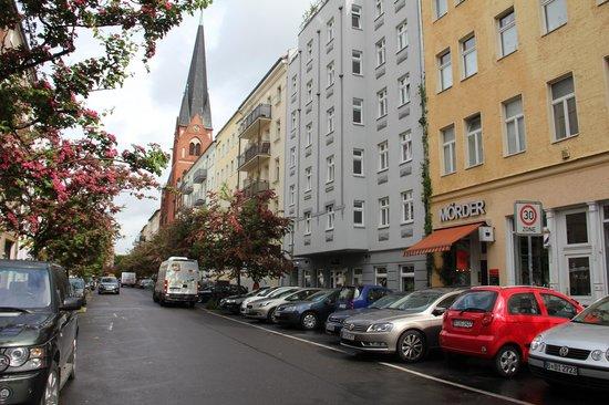 Hotel Adelante Berlin-Mitte: Front of hotel