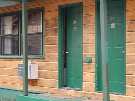 The North Woods Inn: door on this unit, in an unused building next to ours - remained open all 3 days we were there.