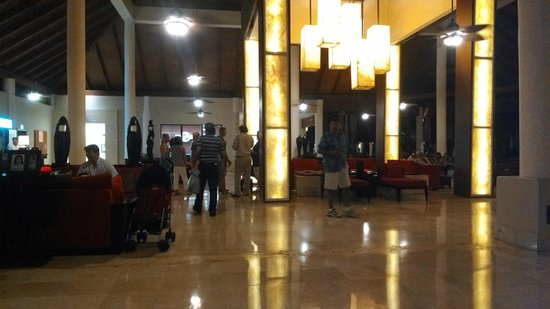 Dreams Palm Beach Punta Cana: this is when you are entering the lobby much nicer when there