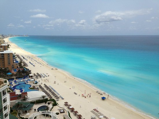 Secrets The Vine Cancún: Cancun has the bluest waters in Mexico