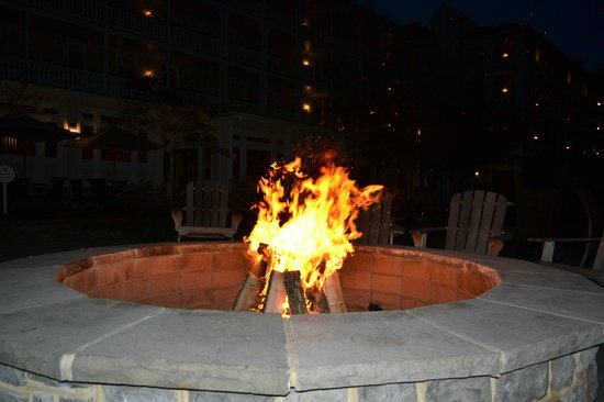 Omni Bedford Springs Resort: Fire Every Night