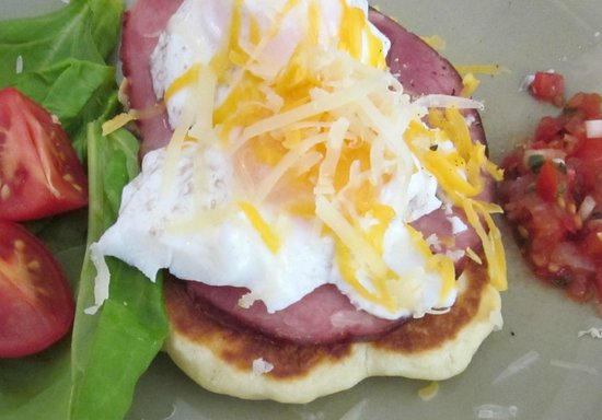 Jacquie Gordon's Bed & Breakfast:  Breakfast, poached egg, ham and cheese
