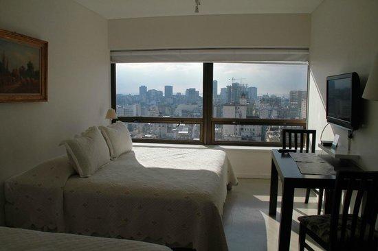 Las Naciones Hotel: Vista do quarto
