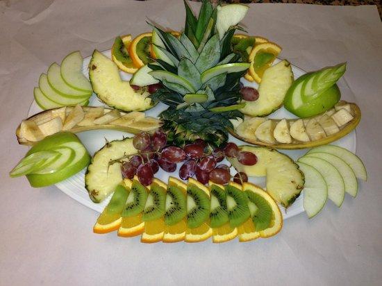 Fresh fruit decoration picture of imge coalville tripadvisor for Comdecoupe fruit decoration