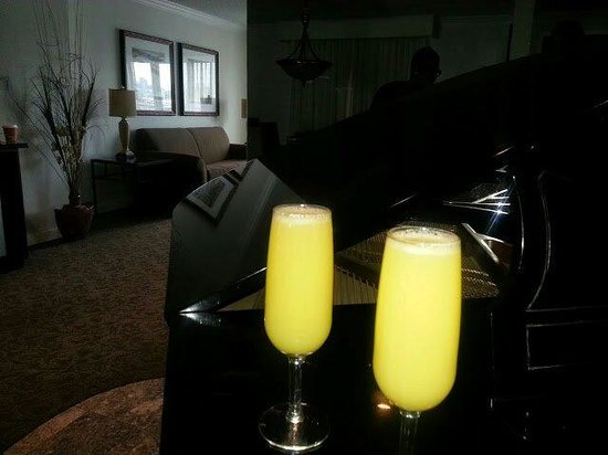 Embassy Suites by Hilton Cincinnati - RiverCenter (Covington, KY) : Mimosas in the morning to top of a wonderful evening at the Embassy Suites priceless