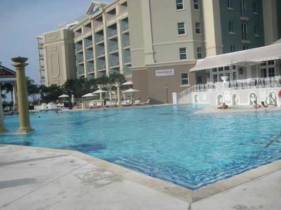 Sandals Royal Bahamian Spa Resort & Offshore Island: pool area