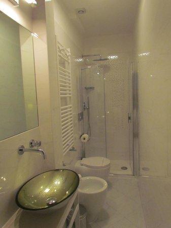 Arcadia Boutique Hotel: Bathroom