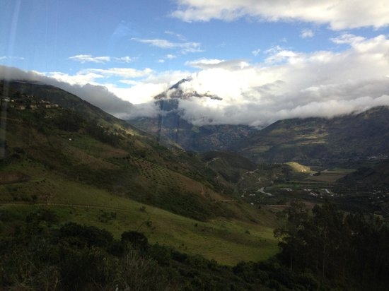 Hacienda Manteles: View from the hotel of Tungurahua Volcano
